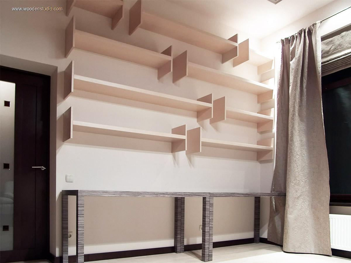 Библиотечная комната. Книжные полки.
